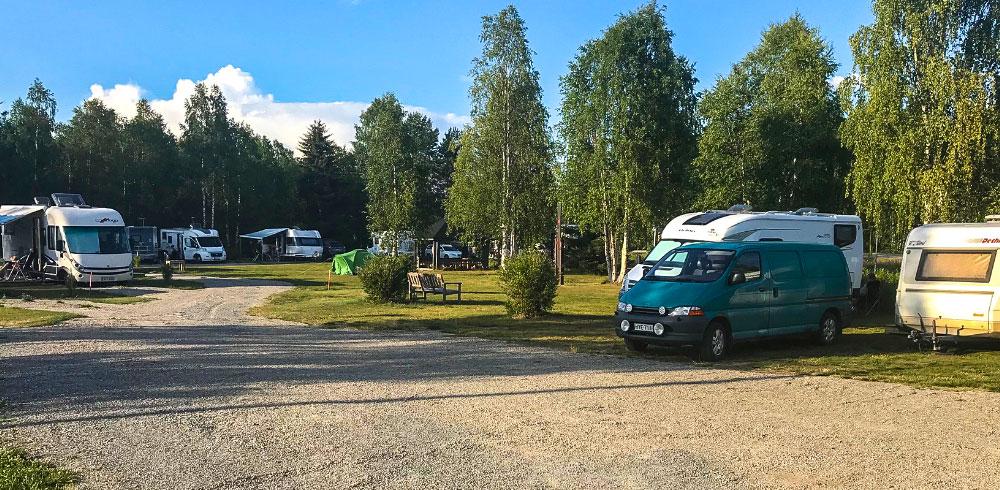arctic-camping-caravan-alue